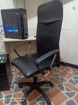 Silla para oficina como nuevo y con garantía se compró hace 15 días pero no se le dió uso