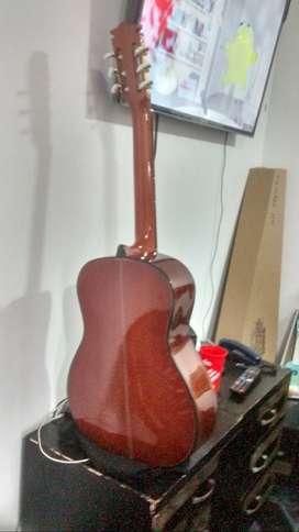Vendo guitarra madrileña 012