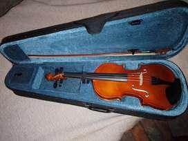 vendo violin parker 4/4 urgente nuevo casi ni se uso solo lo use 2 veces
