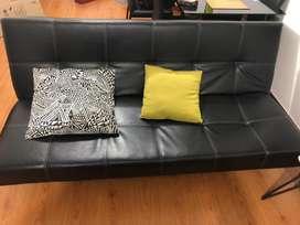 Sofa cama negro ecocuero usado