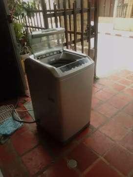 Lavadora Mabe digital 18 libras