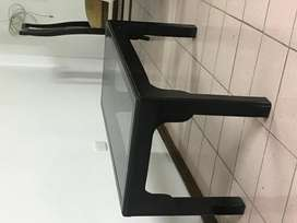 Mesa de centro madera negra con vidrio