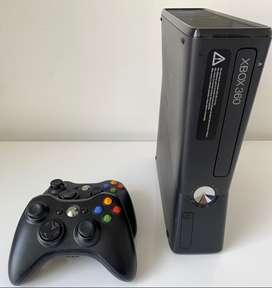 Xbox 360 + 12 Juegos Originales + 2 Controles