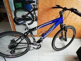 vendo o cambio Bicicleta con marco de aluminio