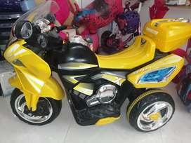 Moto amarilla electrica