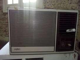 AIRE ACONDICIONADO. Marca SANYO.  Modelo SA-92S5 (w). Capacidad refrigeración 2.300 Frigorías.