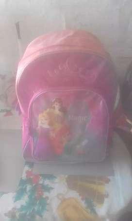 Vendo mochila escolar para niña