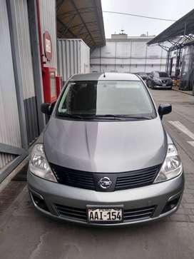 Nissan Tiida 1.6 MT
