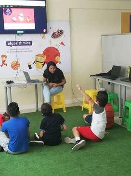 Se requiere socio para Escuela de programación para niños de 5 a 14 años