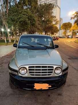 Camioneta Sang Yong 2003, aros llantas nuevas
