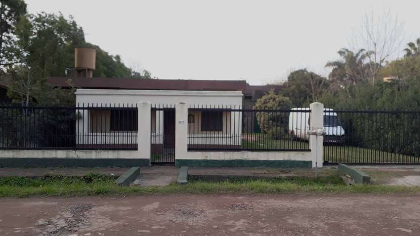 Moreno a mts Avenida Galpón 414 m2 + 2 Casas s/lote 900 m2 OPORTUNIDAD!