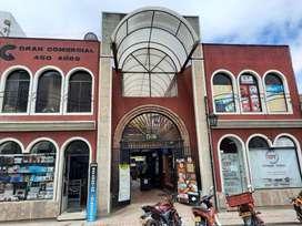 VENDO LOCAL EN EL CENTRO COMERCIAL 450 AÑOS