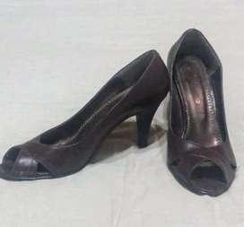 Zapatos de taco aguja de cuero Talle 35
