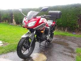 Vendo moto yamaha fazer 2.0 modelo 2018 con 30000 km en perfectas condiciones unico dueño se usaba del trabajo a la casa