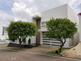 Casa Esquinera, ubicada en Conjunto Cerrado, exclusivo condominio ubicado en la vía a los Patios Sector de la Floresta.1