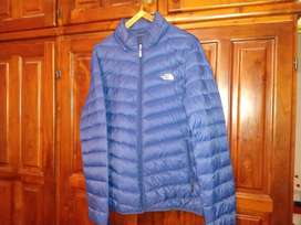 Vendo campera The North Face azul eléctrico igual a nueva