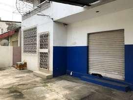 Venta de Casa Rentera cdla Morejon Almeida , sur de Guayaquil, detrás de Mall del Sur, 3 dptos y 1 local