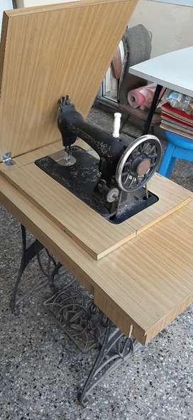 URGENTE Máquina de coser Nauman Singer