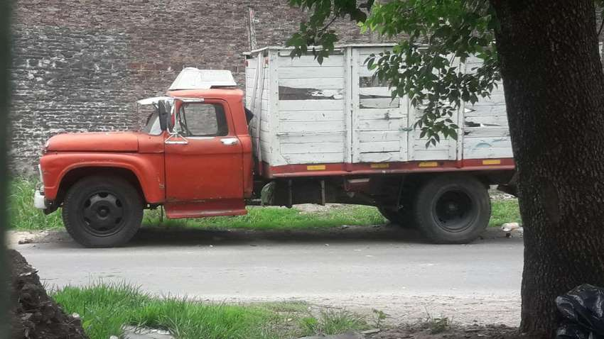 Se vende hermoso camion ford 600 0