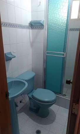 Arriendo habitacion con baño privado