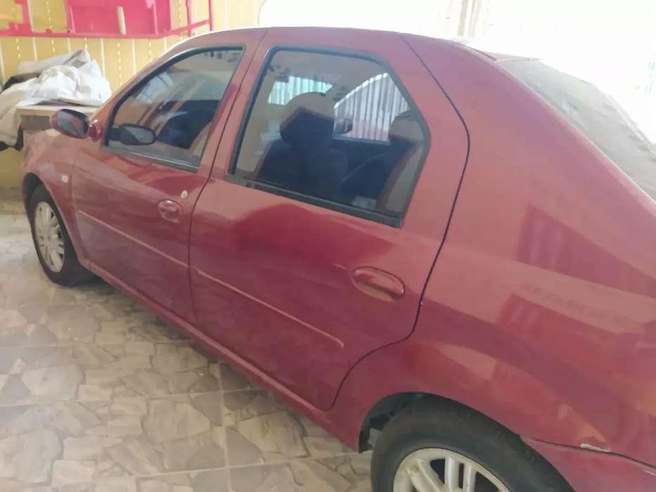 carro renault-logan 10-10 rojo precio 15000000 negociable