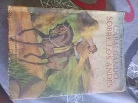 """Libro """"Cabalgando sobre los Andes"""" por Luis Alberto Borja, de Ediciones Peuser"""