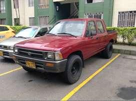 Vendo camioneta Toyota Hilux RN de gasolina y gas