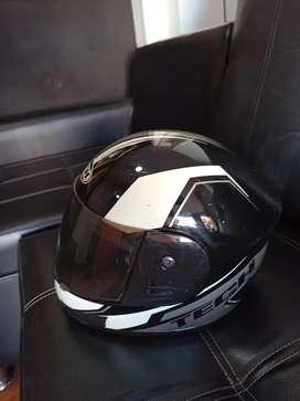 Casco pequeño para moto