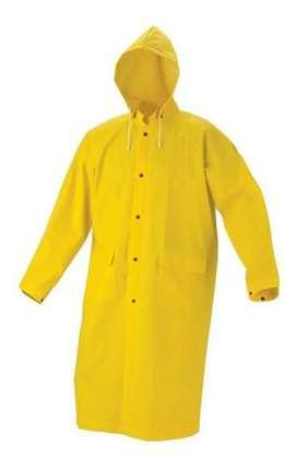 Se vende sobretodo amarillo impermeable