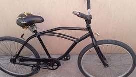 Bicicleta playera rod 26 andando 100%. Necochea. Detalles de pintura y asiento.