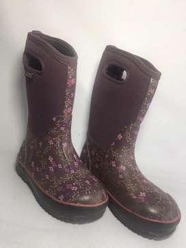 Lindas botas importadas, impermeables, ideales para lluvia y frio.