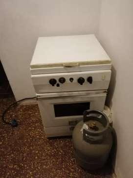 Vendo Cocina y Lavadora.