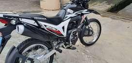 VENDO MOTO HONDA XR190