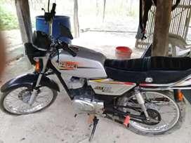 Se vende moto suzuki.. La vendo porque no le doy mucho uso