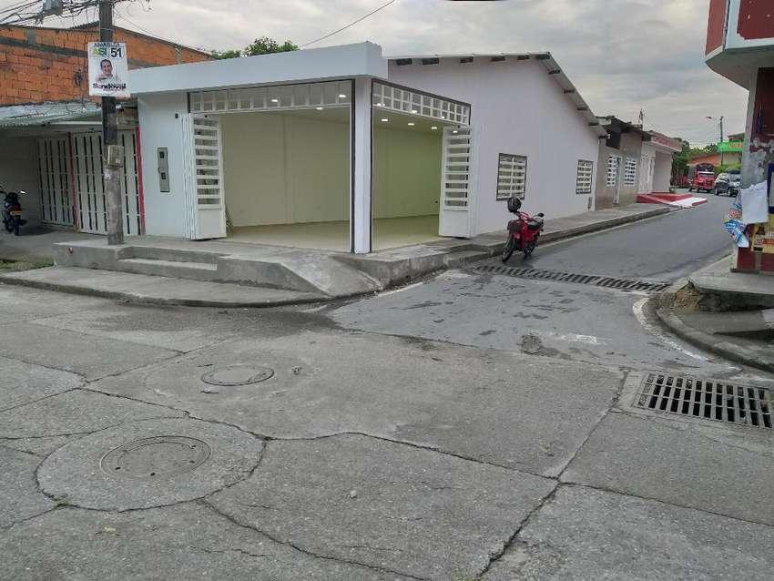 Casa Esquinera con Local Y Apartaestudio 0