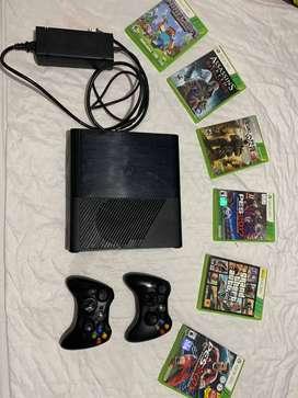 Oportunidad imperdible!!! Microsoft ConsolaXBOX 360 E 4Gb+ 2 Mandos + usb + 6 Juegos