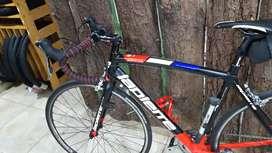 Bicicleta lapierre Grupo  Shimano Tiagra