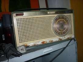 RADIO PHILIPS DE TUBOS DECORATIVO