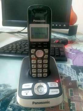 Teléfono Inalámbrico PANASONIC con contestadora y grabadora de mensajes k