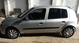 VENDO RENAULT CLIO 5P AUTHENTIQUE 1.2 PACK II 2011 (77000 kilometros)