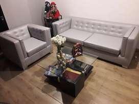 Vendo hermosa sala con mesa de centro