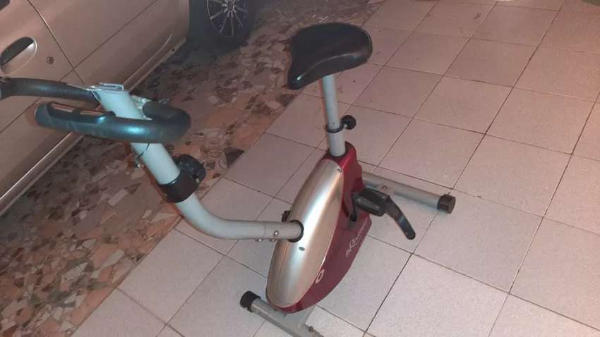 Vendo Bicicleta fija excelente estado y funcionalidad. $2000. 0