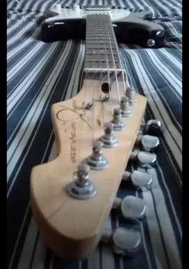 Guitarra Peavy + funda