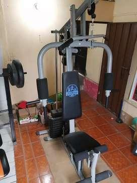 Maquina multifuncional de ejercicios