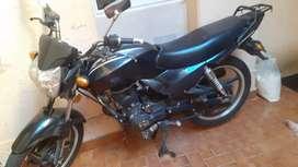Moto Guerrero negra 150