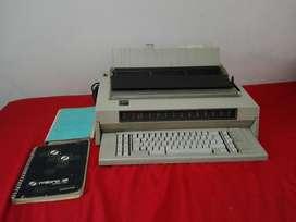 Maquina de Escribir Electrica Ibm 6747