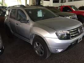 Renault duster 2014 tech road