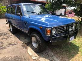 Se vende Toyota Land Cruiser
