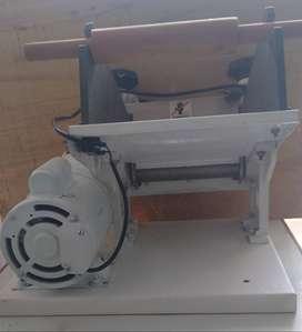 Máquina eléctrica para estirar masa
