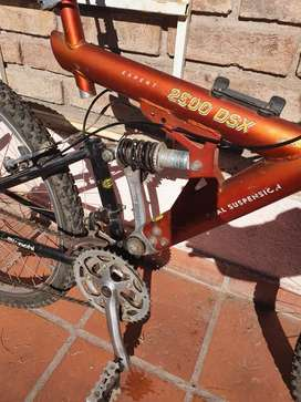 Bicicleta usada estilo mountain bike